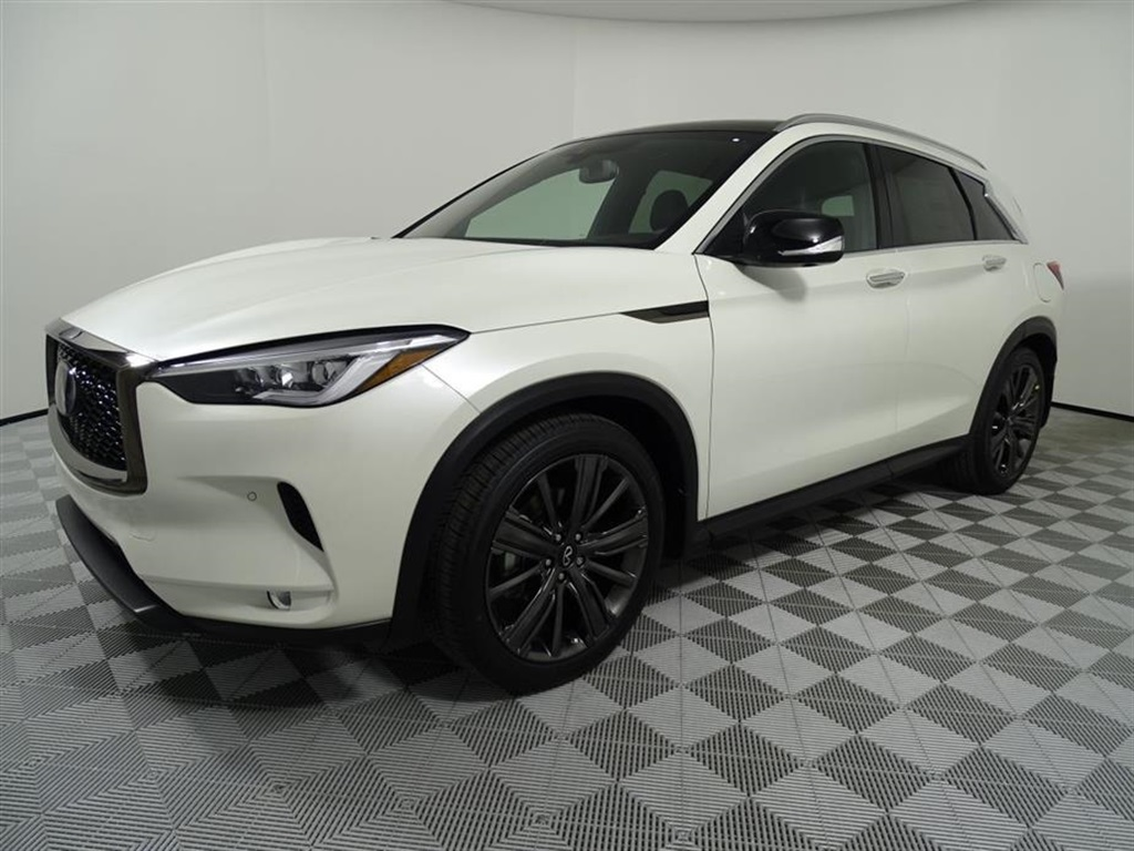 new 2020 infiniti qx50 essential 4d sport utility in