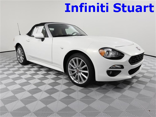 Pre-Owned 2017 FIAT 124 Spider Lusso