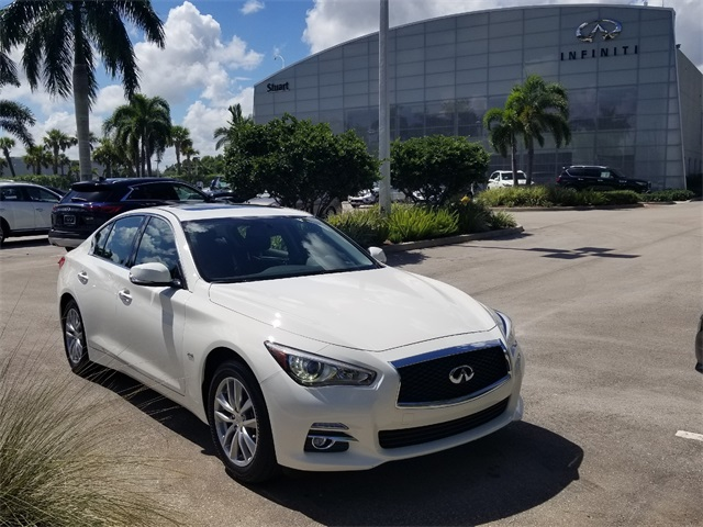 Certified Pre-Owned 2017 INFINITI Q50 2.0t Base